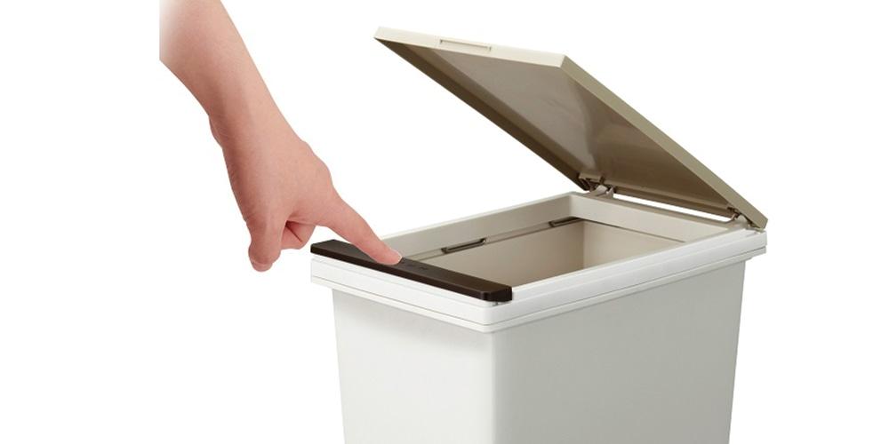 フタの開け方で選ぶゴミ箱