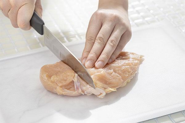 ニオイが気になる生魚や生肉など、使い捨てで衛生的に。